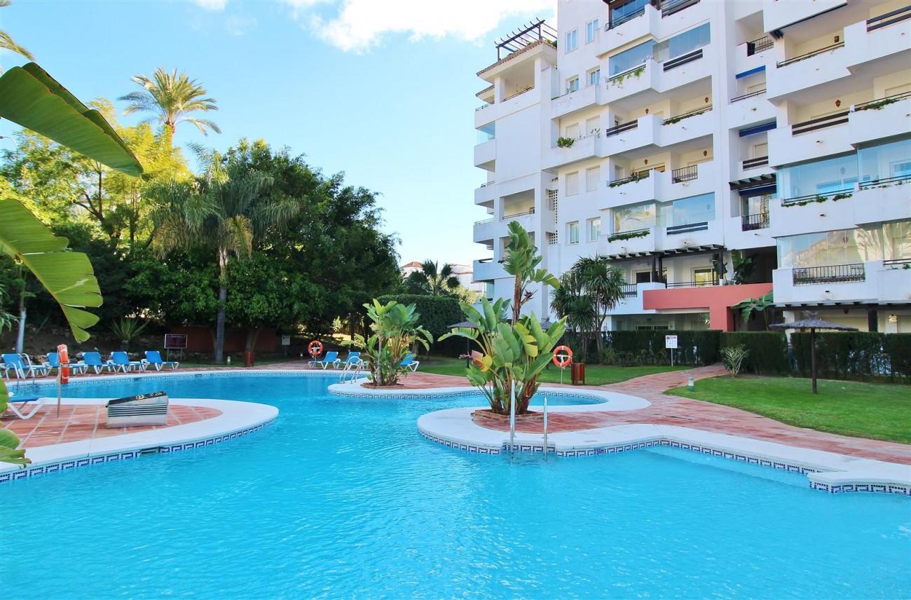 Ground floor Apartment for sale Puerto Banus Marbella Spain (2) (Large)