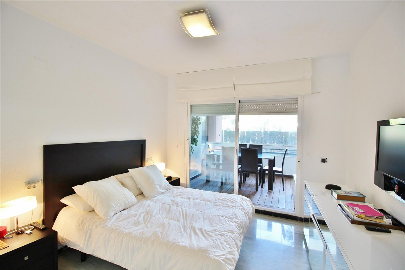 Ground floor Apartment for sale Puerto Banus Marbella Spain (8) (Large)