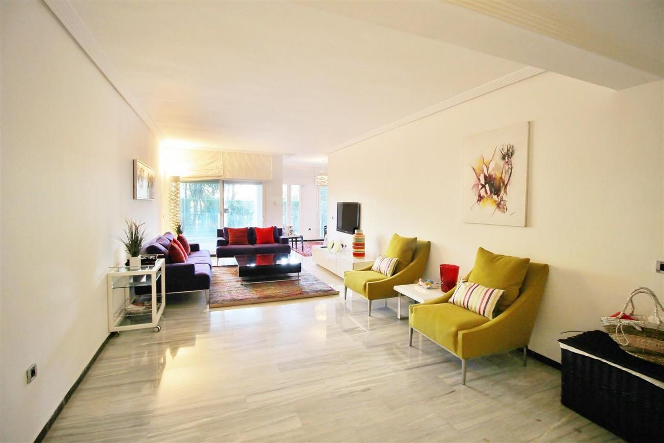 Ground floor Apartment for sale Puerto Banus Marbella Spain (16) (Large)