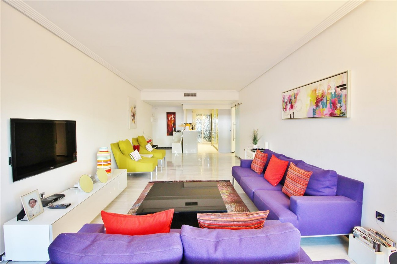 Ground floor Apartment for sale Puerto Banus Marbella Spain (18) (Large)