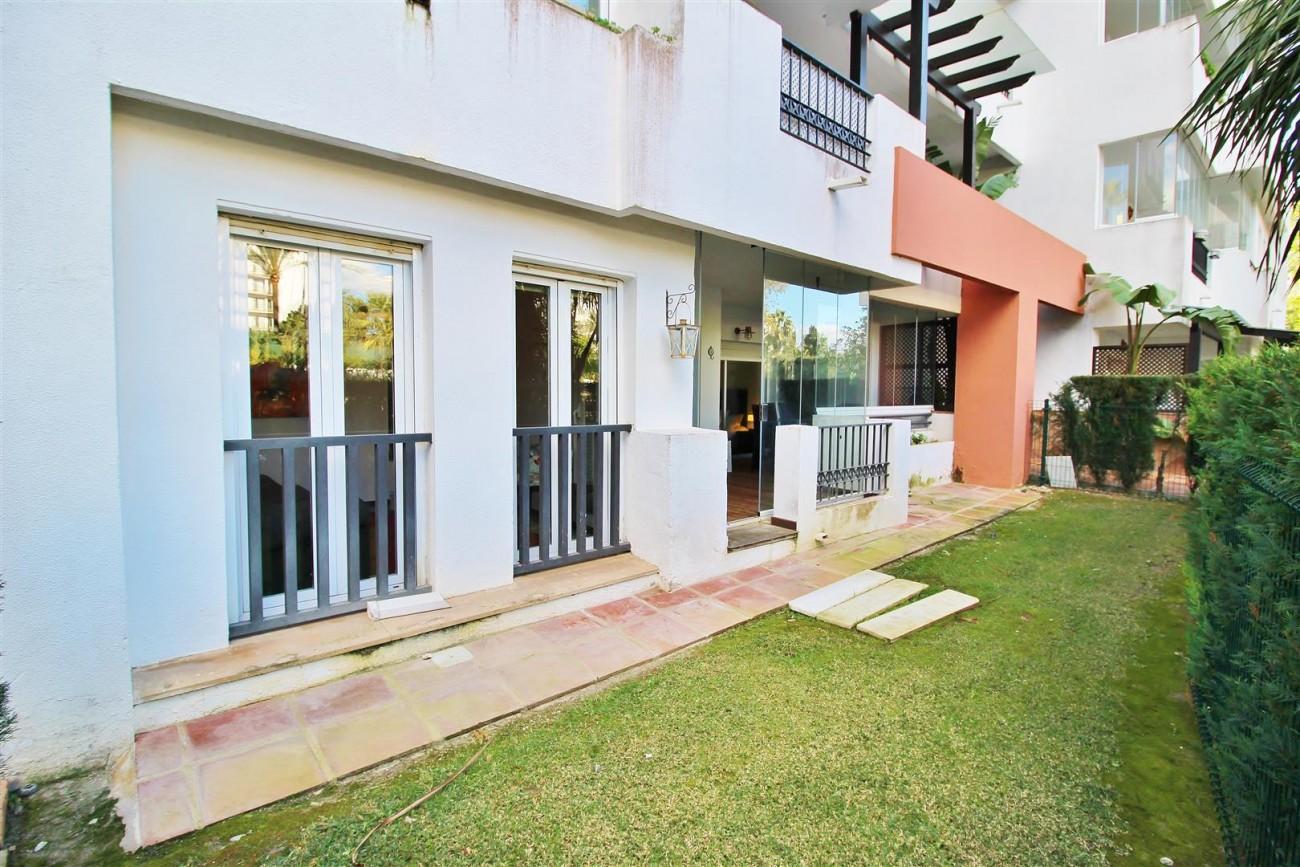 Ground floor Apartment for sale Puerto Banus Marbella Spain (19) (Large)