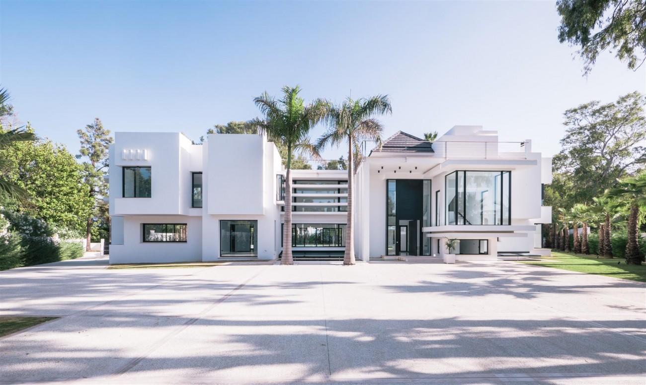 Contemporary villa for sale close to the beach Marbella (2) (Large)