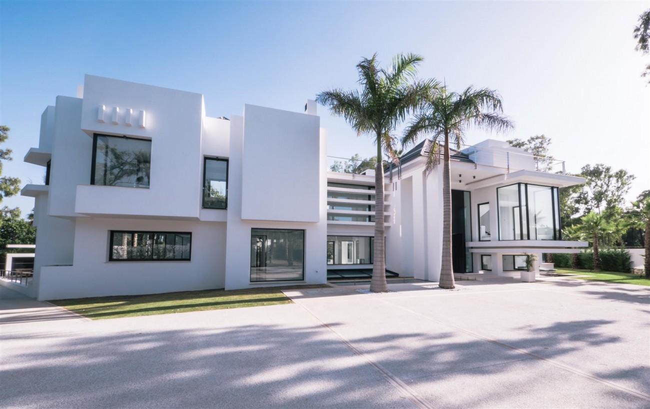 Contemporary villa for sale close to the beach Marbella (3) (Large)