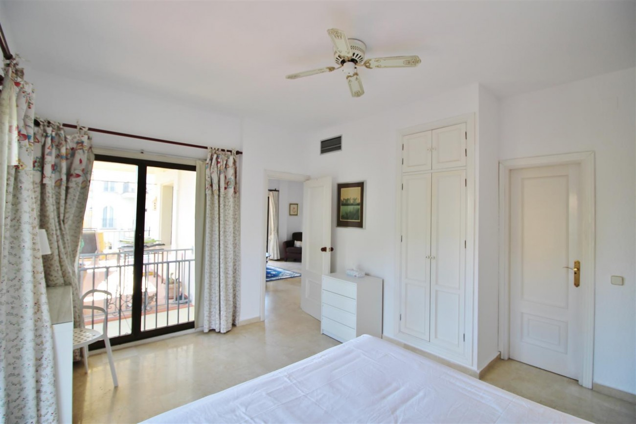 Beachfront Apartment for sale Puerto Banus Marbella Spain (8) (Large)
