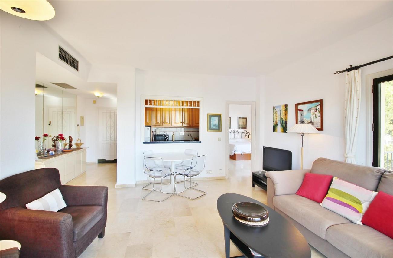 Beachfront Apartment for sale Puerto Banus Marbella Spain (9) (Large)