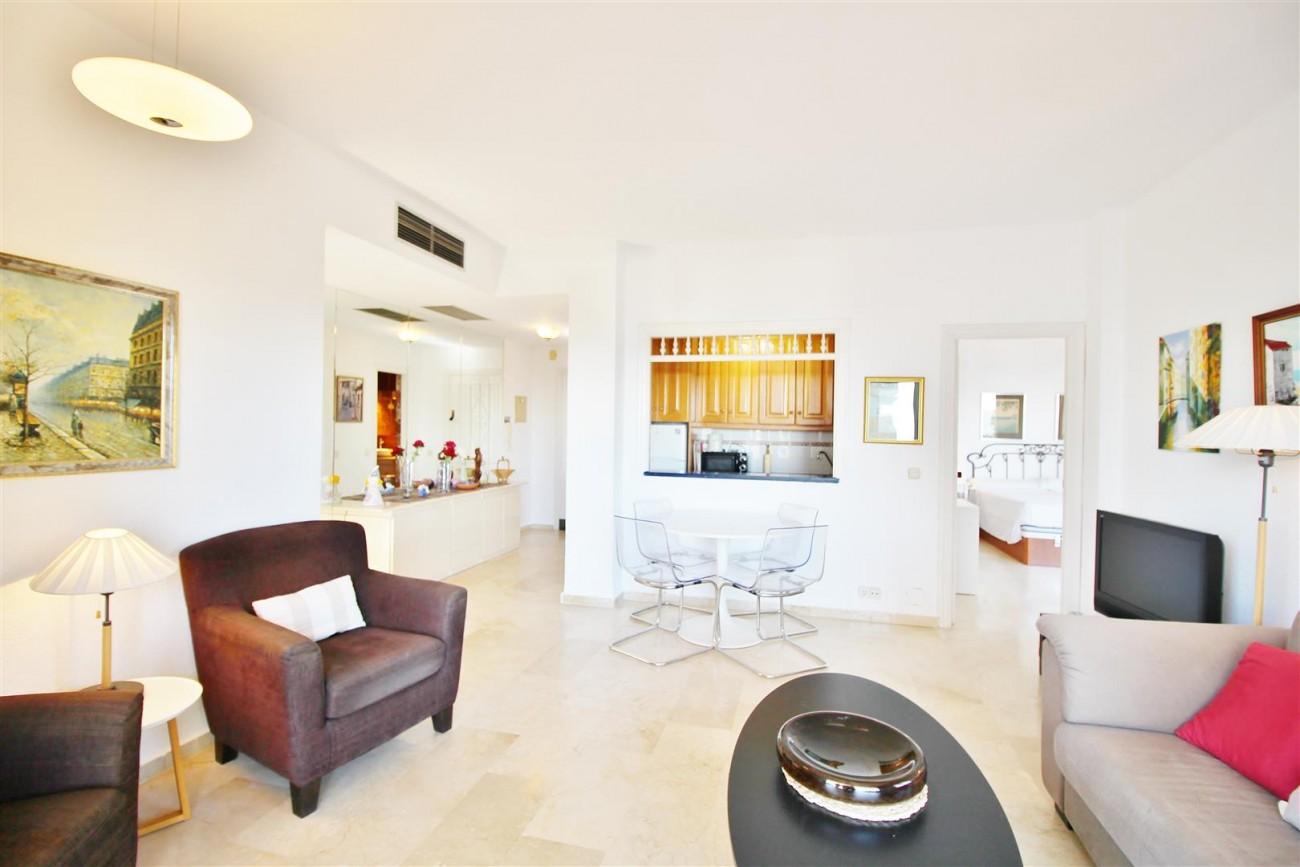 Beachfront Apartment for sale Puerto Banus Marbella Spain (10) (Large)