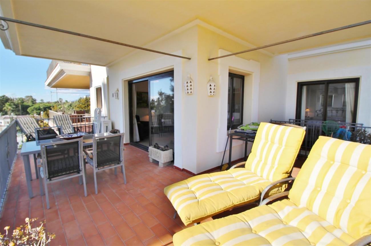 Beachfront Apartment for sale Puerto Banus Marbella Spain (20) (Large)