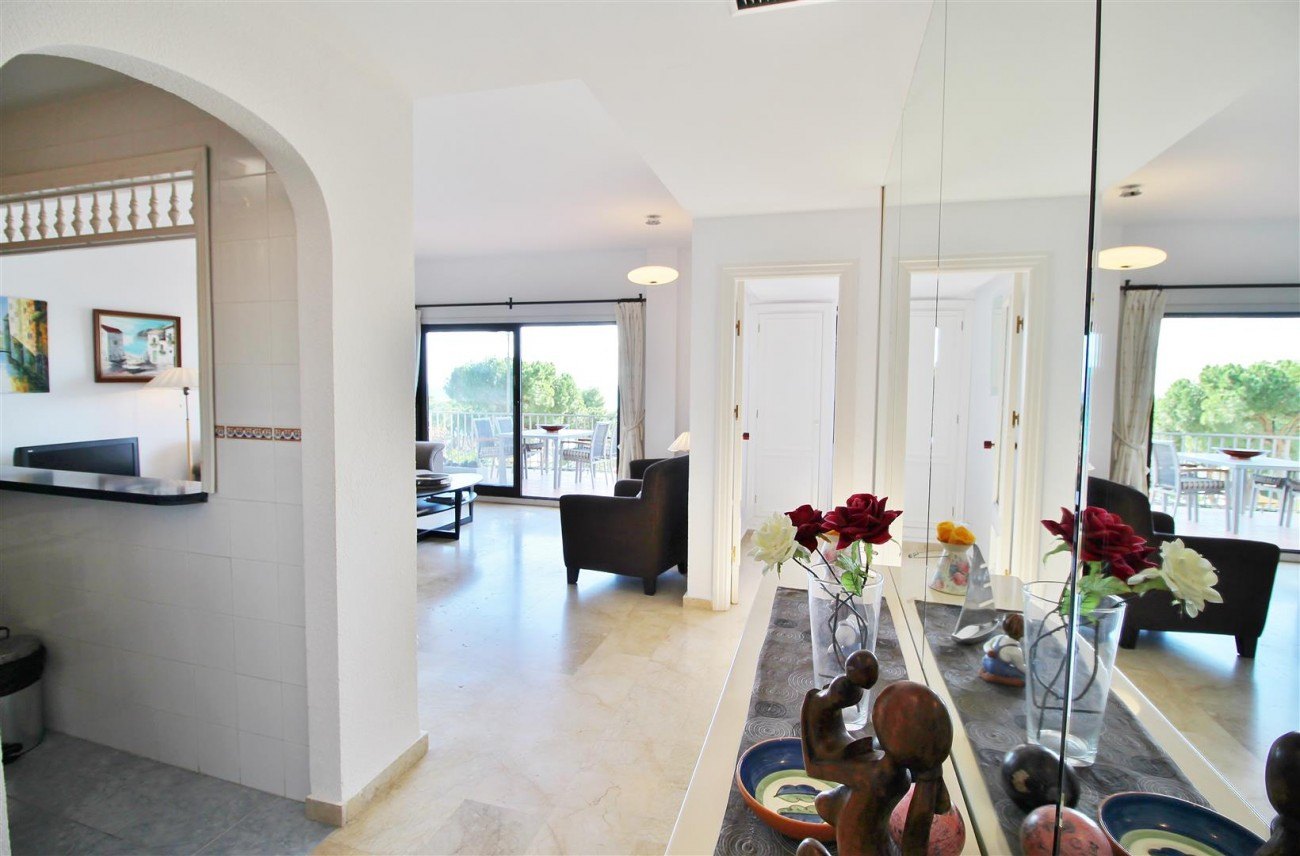 Beachfront Apartment for sale Puerto Banus Marbella Spain (23) (Large)