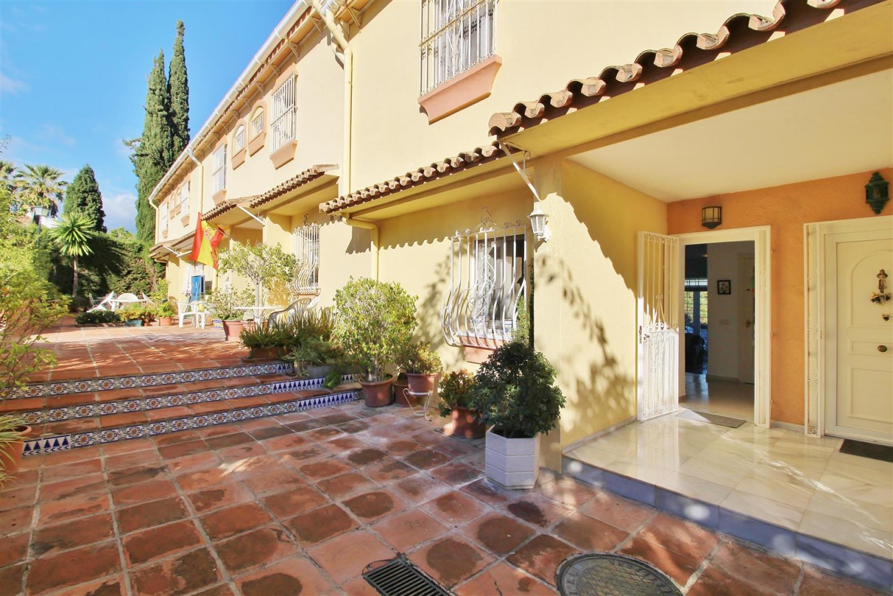Townhouse for sale Estepona Spain (46) (Large)