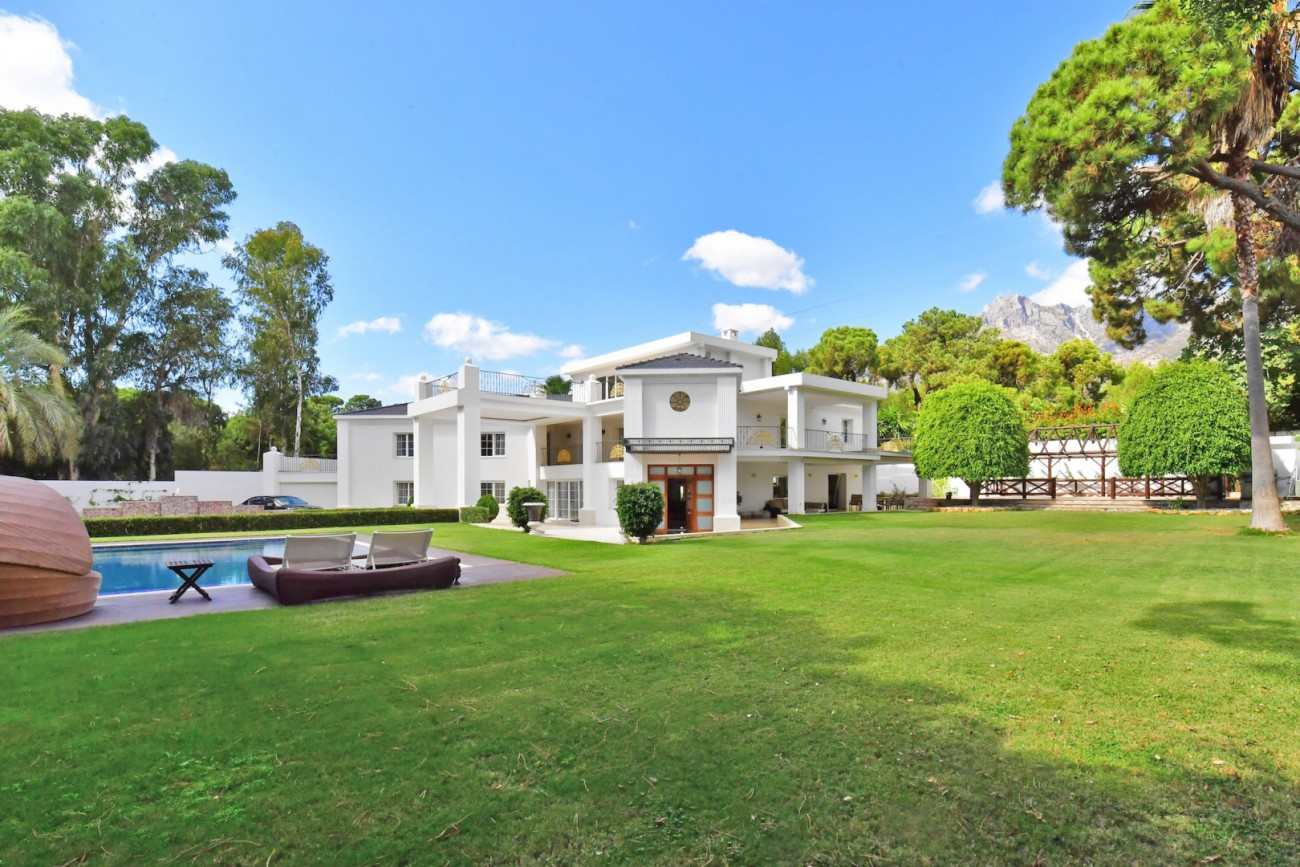 Luxury Villa for sale Marbella Golden Mile Spain (1)