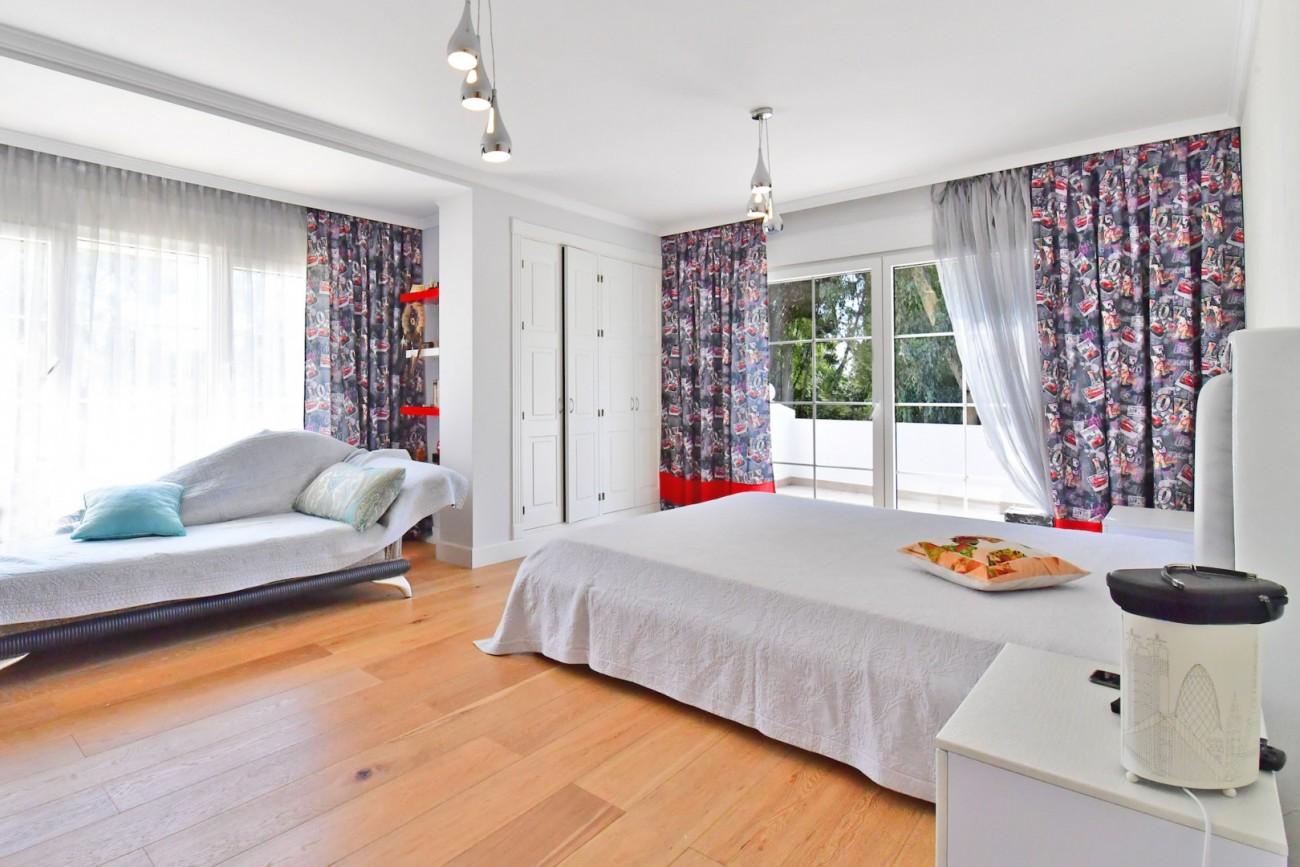 Luxury Villa for sale Marbella Golden Mile Spain (15)