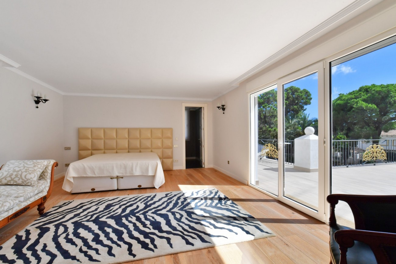 Luxury Villa for sale Marbella Golden Mile Spain (18)
