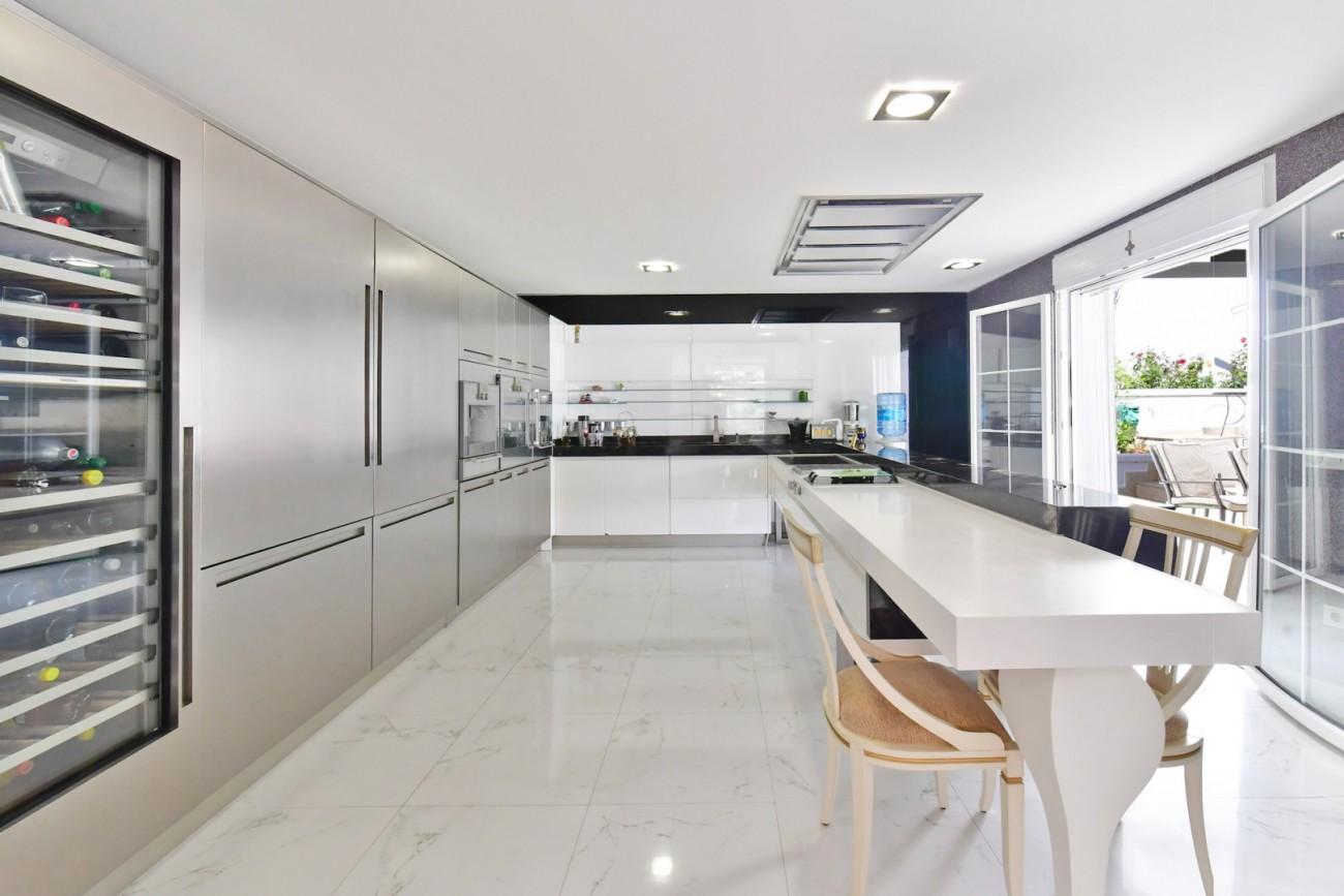 Luxury Villa for sale Marbella Golden Mile Spain (19)