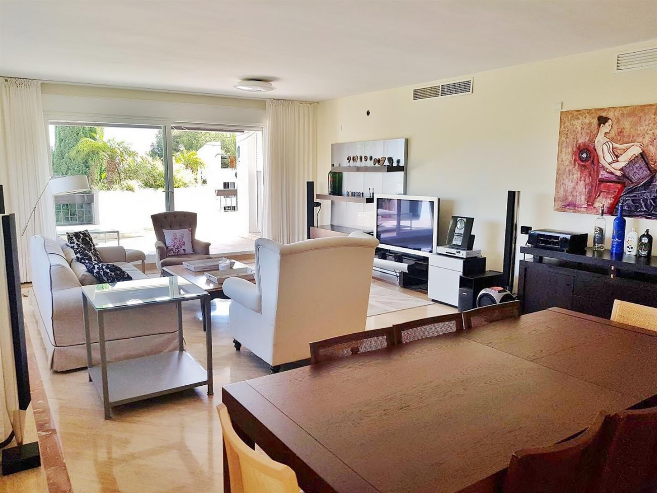 Elegant apartment for rent in Marbella East Spain (1) (Large)