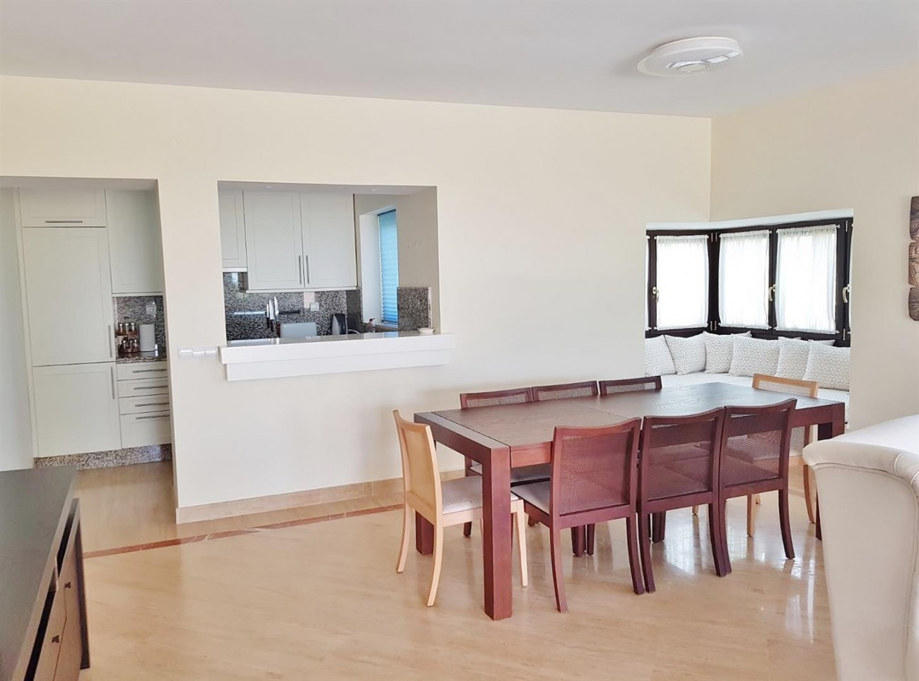 Elegant apartment for rent in Marbella East Spain (3) (Large)