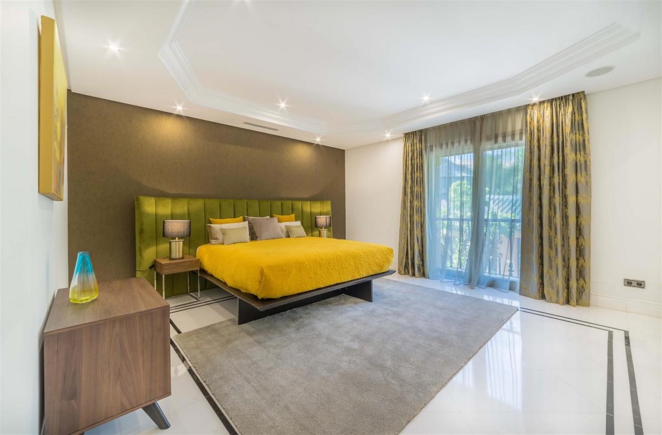 Luxury Apartment Beachfront Complex Puerto Banus Marbella Spain (1) (Large)