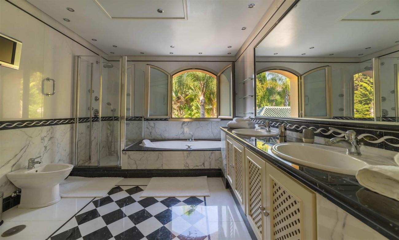Luxury Apartment Beachfront Complex Puerto Banus Marbella Spain (5) (Large)
