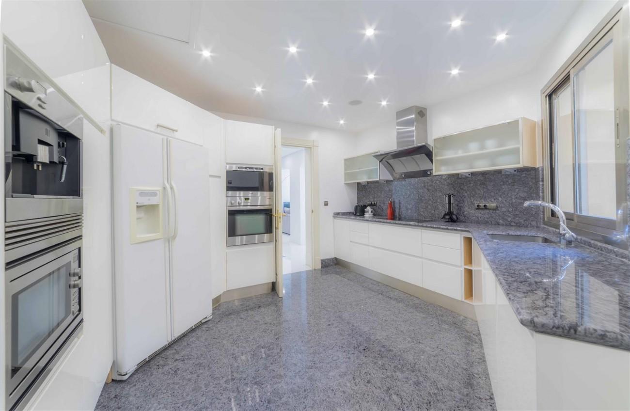 Luxury Apartment Beachfront Complex Puerto Banus Marbella Spain (6) (Large)