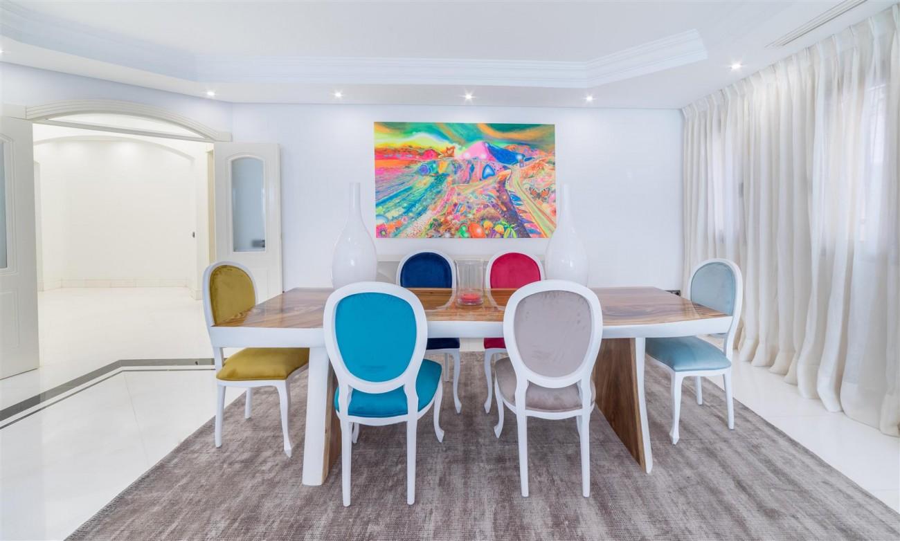Luxury Apartment Beachfront Complex Puerto Banus Marbella Spain (8) (Large)