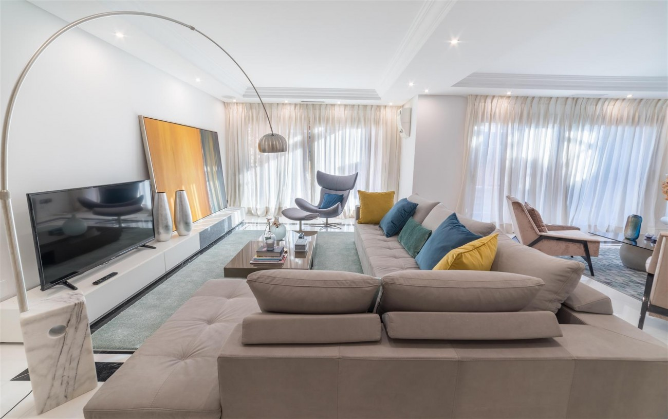 Luxury Apartment Beachfront Complex Puerto Banus Marbella Spain (9) (Large)
