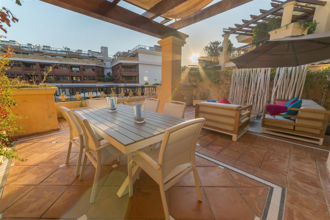 Luxury Apartment Beachfront Complex Puerto Banus Marbella Spain (11) (Large)