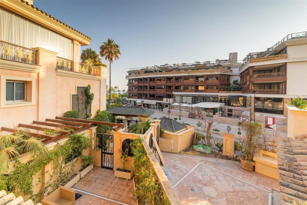 Luxury Apartment Beachfront Complex Puerto Banus Marbella Spain (13) (Large)