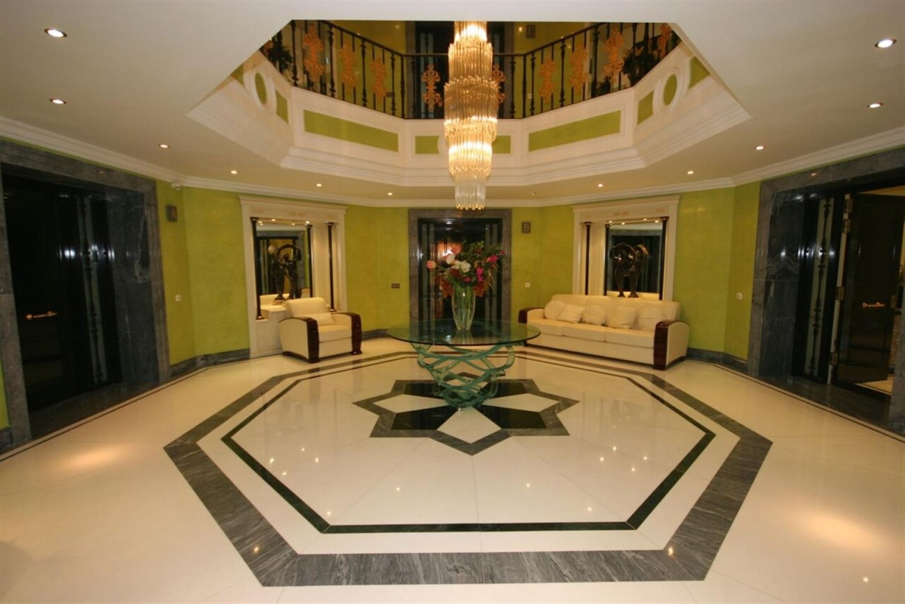 Luxury Beachside Apartment for sale Puerto Banus Marbella Spain (6) (Large)