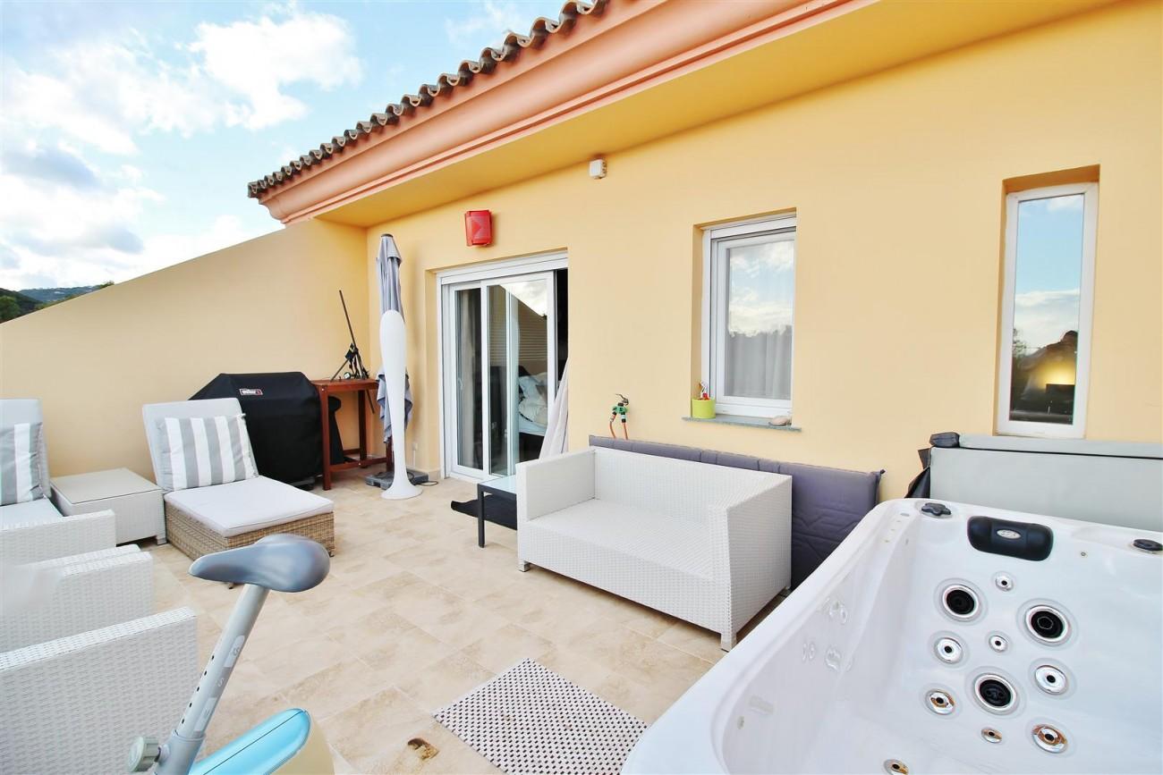 Luxury Duplex Penthouse for sale Nueva Andalucia Marbella Spain (11) (Large)