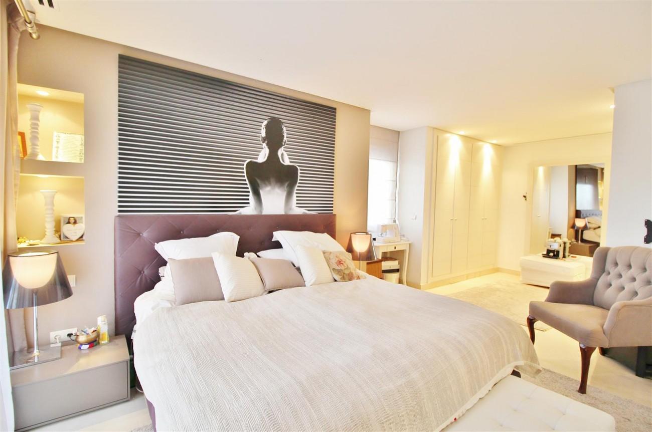 Luxury Duplex Penthouse for sale Nueva Andalucia Marbella Spain (14) (Large)
