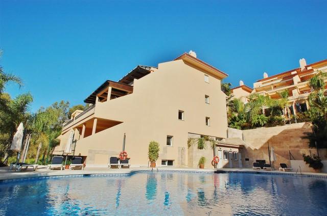 Apartment for Sale - 540.000€ - Nueva Andalucía, Costa del Sol - Ref: 5819