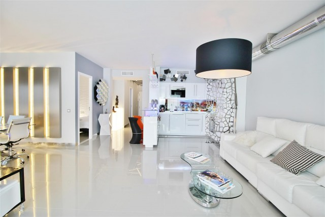 Apartment for Sale - 760.000€ - Puerto Banús, Costa del Sol - Ref: 5822