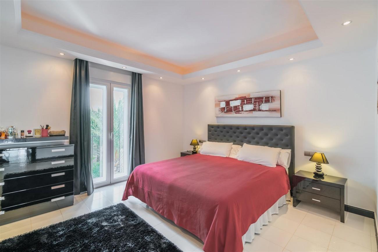 Penthouse for sale Puerto Banus Marbella Spain (6) (Large)