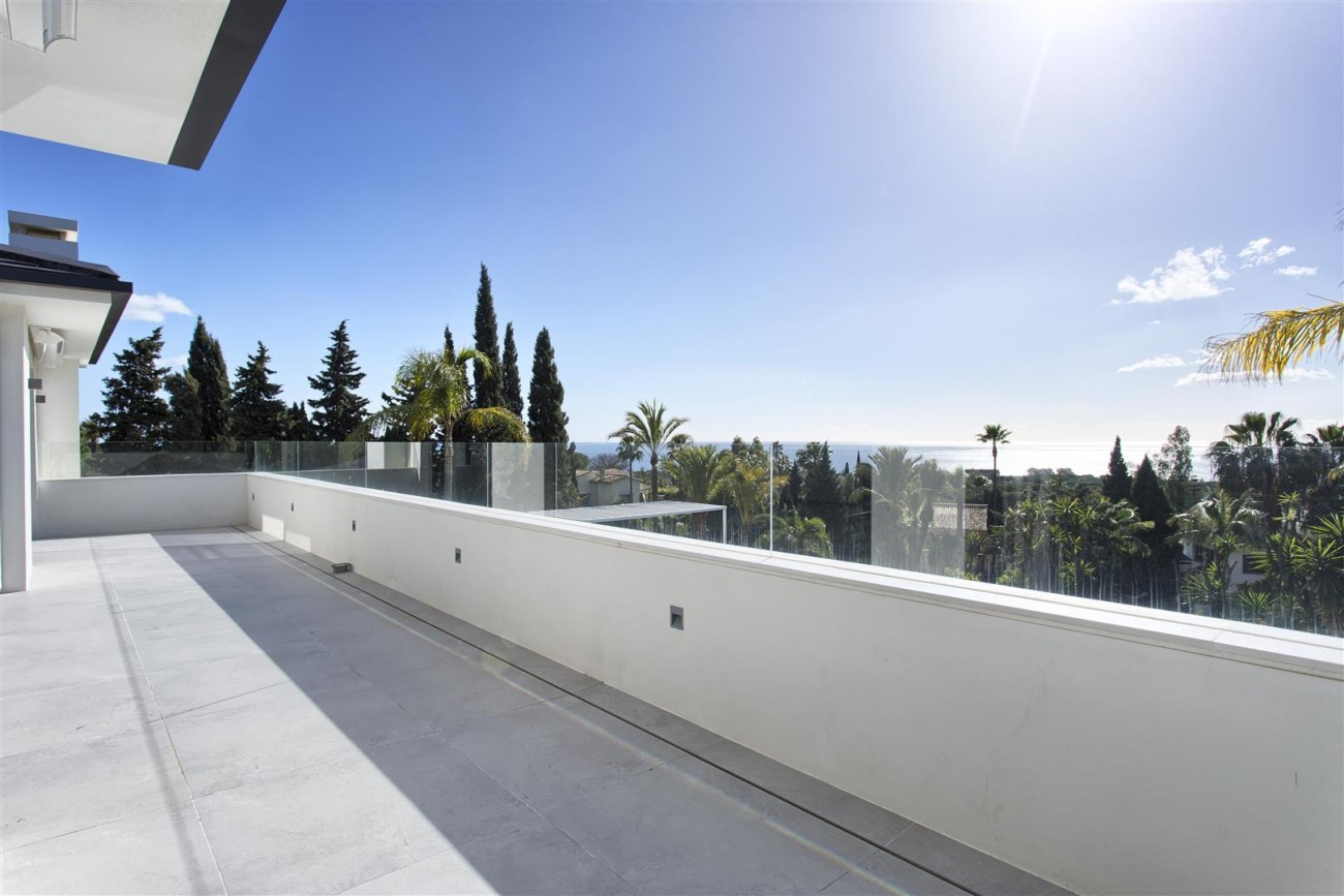 Contemporary Villa for Sale East Marbella Spain (6) (Large)