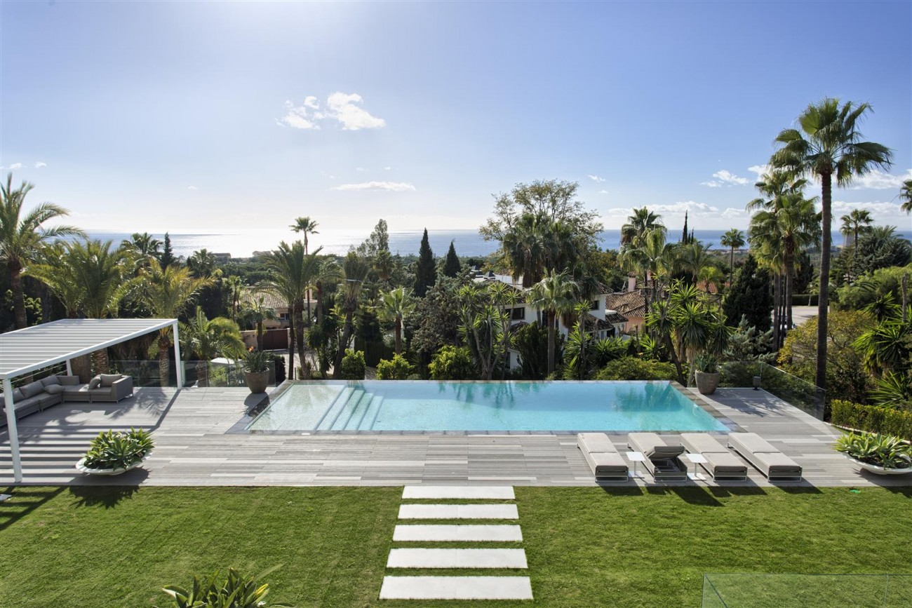 Contemporary Villa for Sale East Marbella Spain (8) (Large)