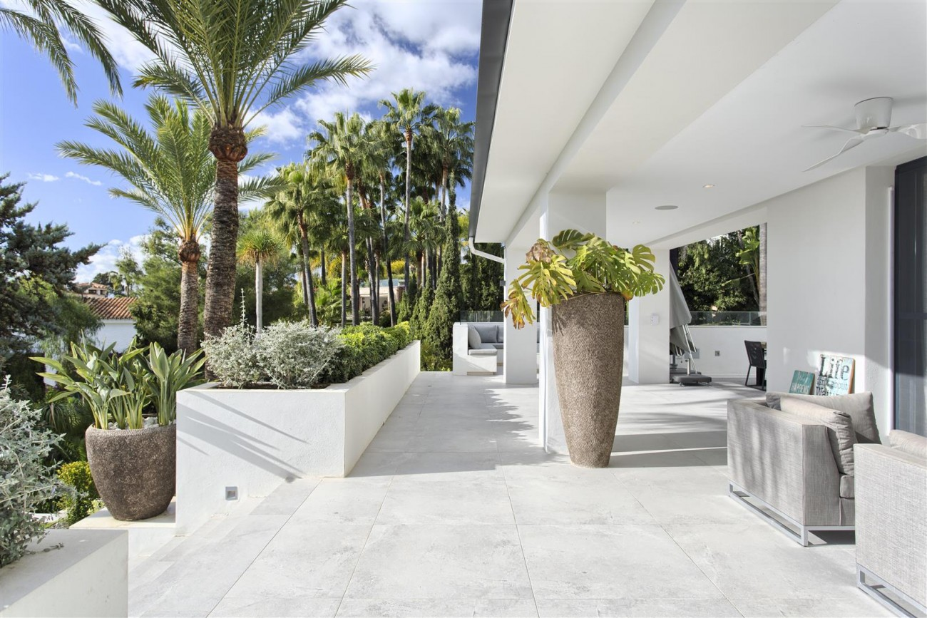 Contemporary Villa for Sale East Marbella Spain (27) (Large)