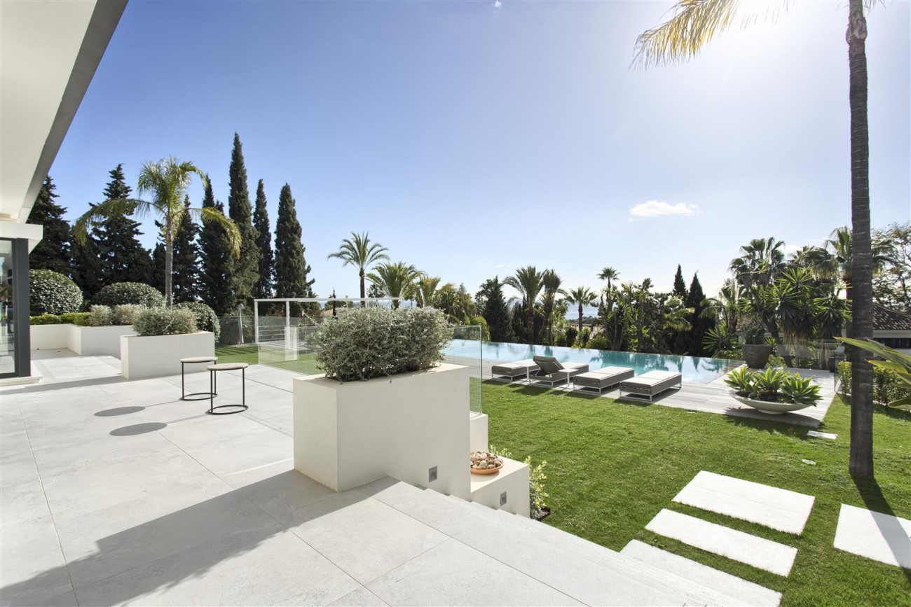 Contemporary Villa for Sale East Marbella Spain (28) (Large)