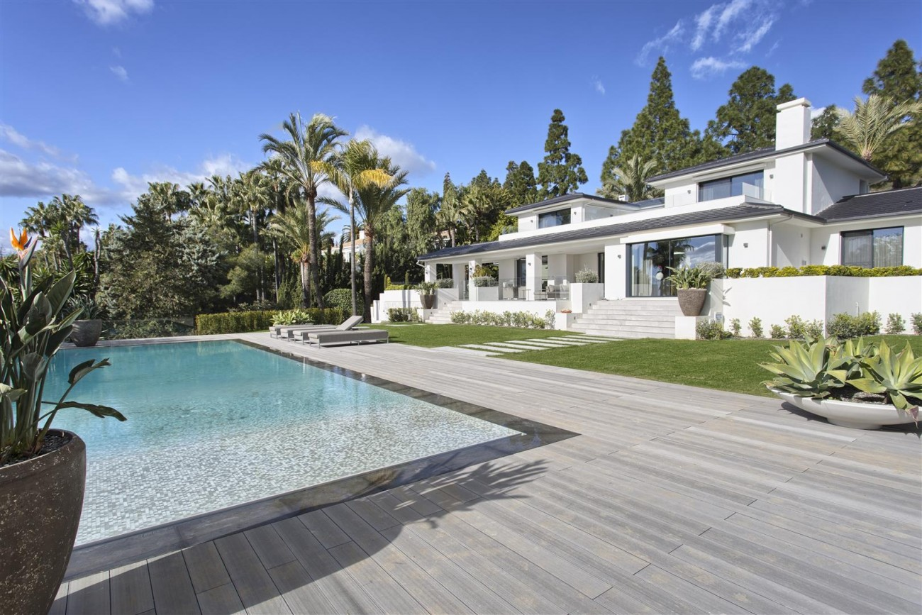 Contemporary Villa for Sale East Marbella Spain (38) (Large)