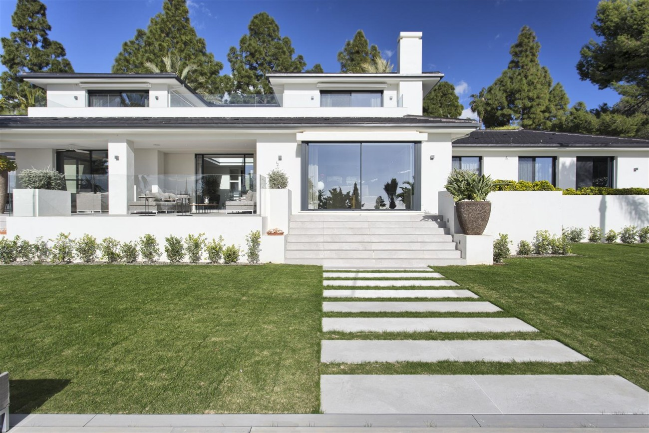 Contemporary Villa for Sale East Marbella Spain (40) (Large)