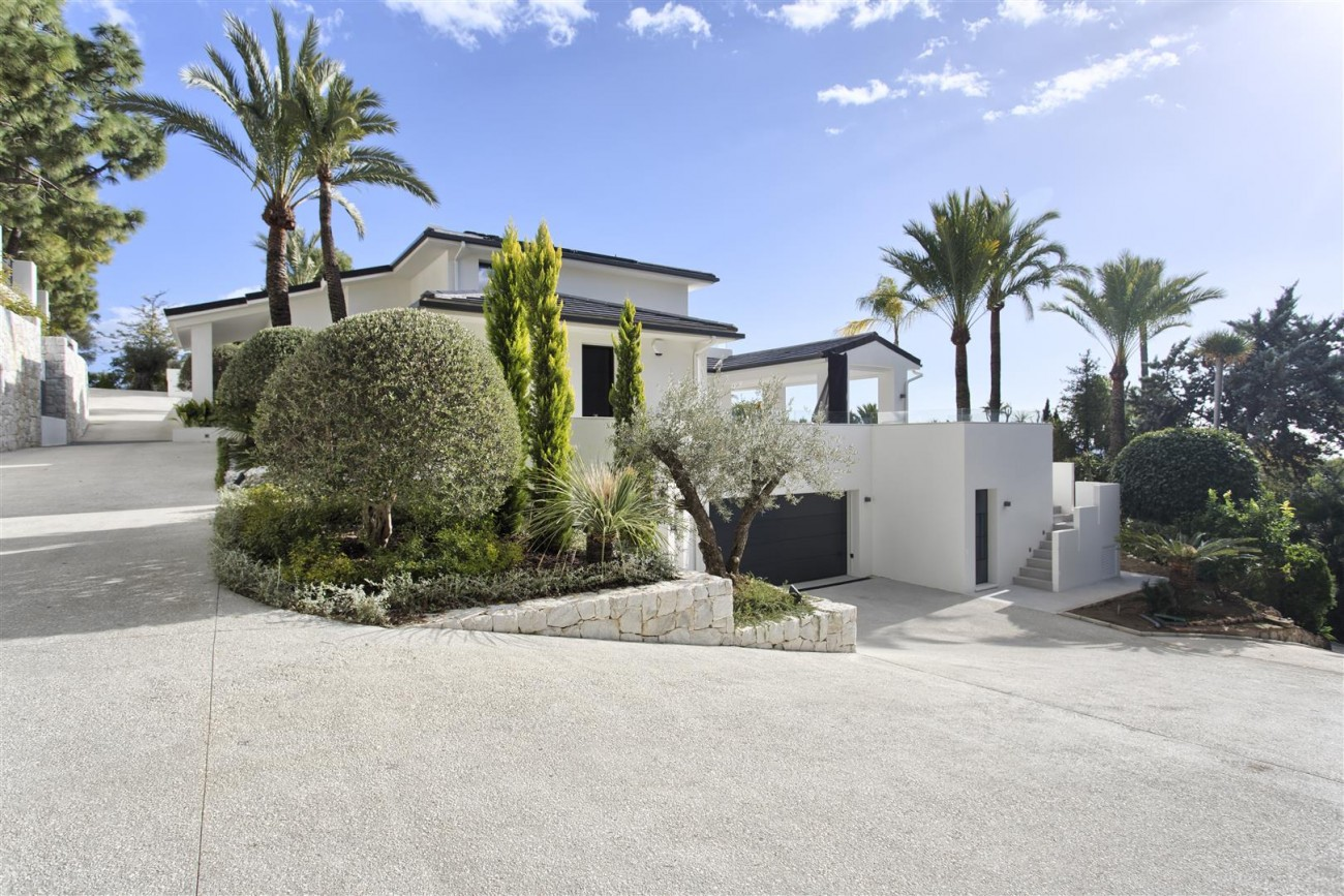 Contemporary Villa for Sale East Marbella Spain (43) (Large)