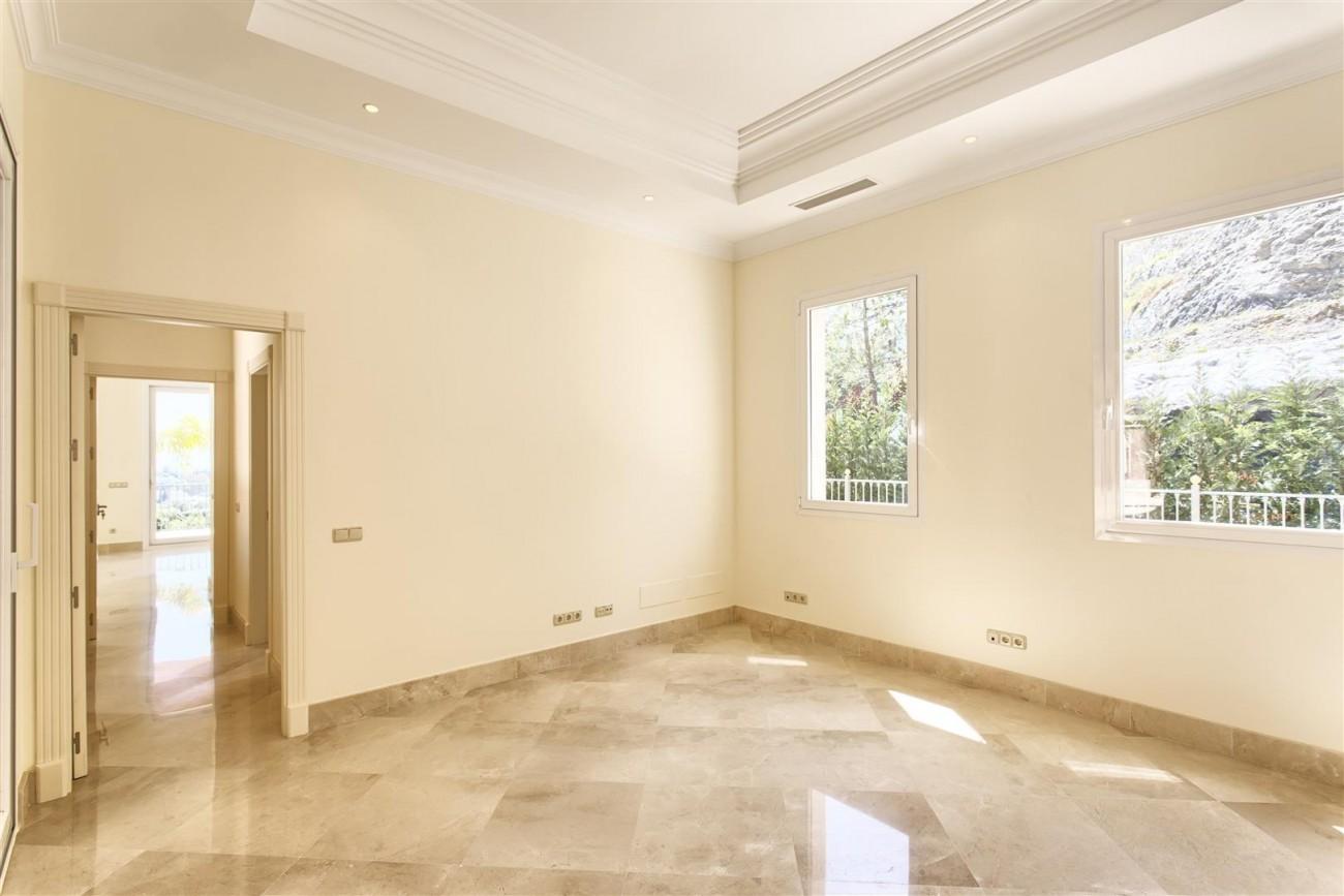 Luxury Mansion for sale in Benahavis Spain (13) (Large)