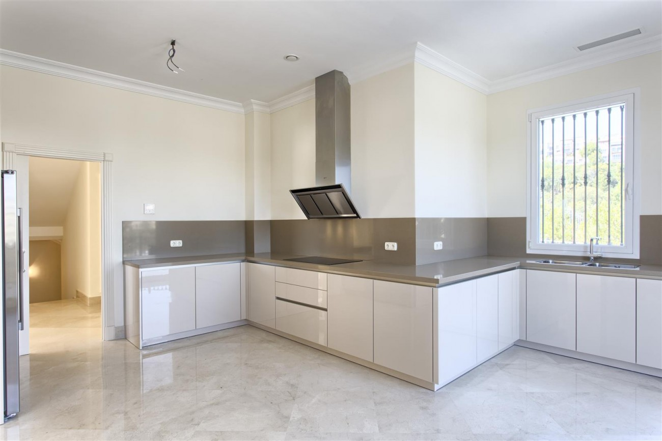 Luxury Mansion for sale in Benahavis Spain (16) (Large)