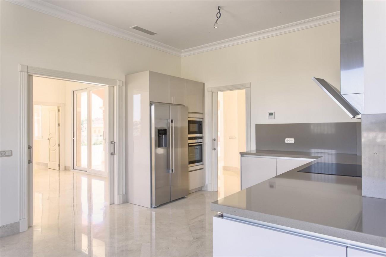 Luxury Mansion for sale in Benahavis Spain (17) (Large)