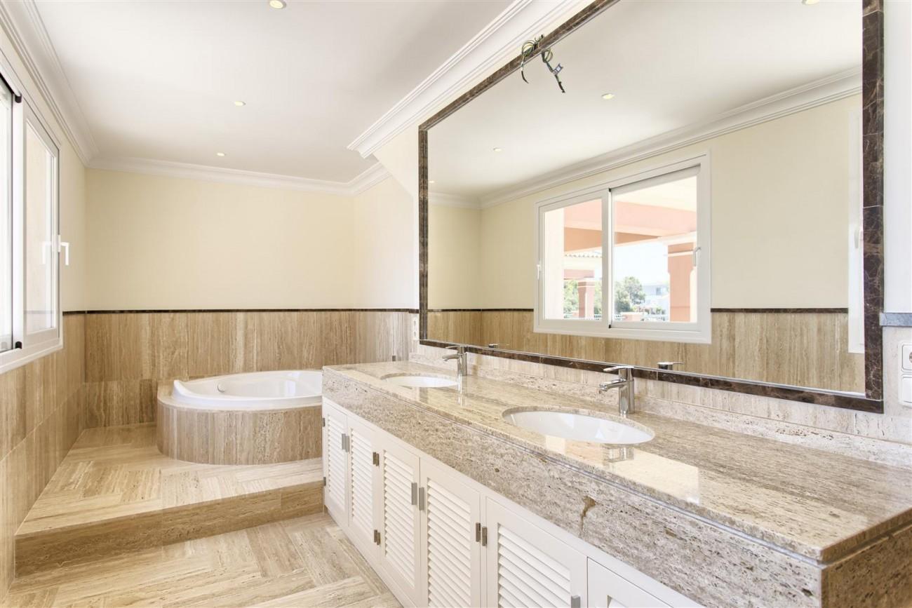Luxury Mansion for sale in Benahavis Spain (21) (Large)