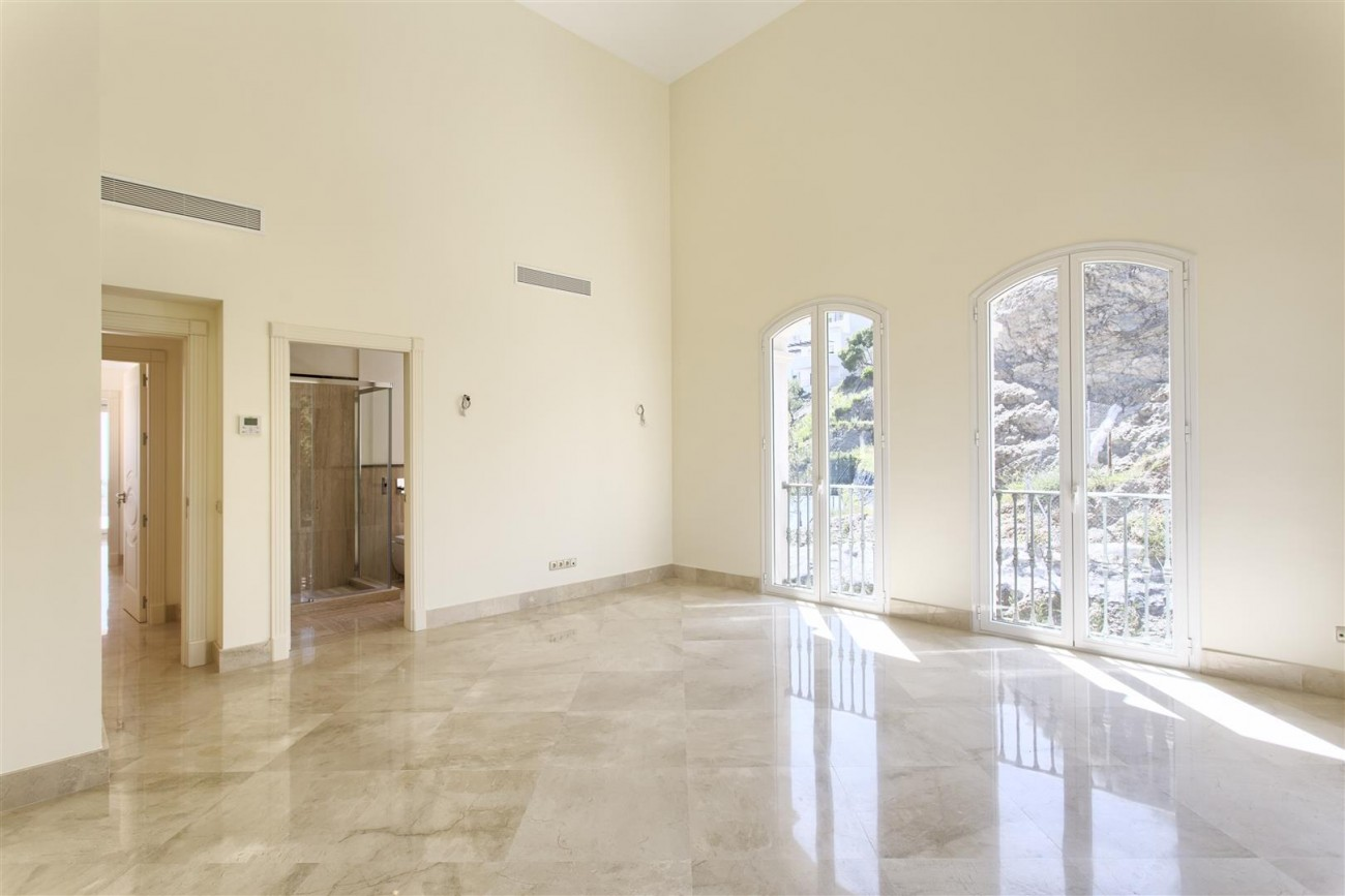 Luxury Mansion for sale in Benahavis Spain (23) (Large)