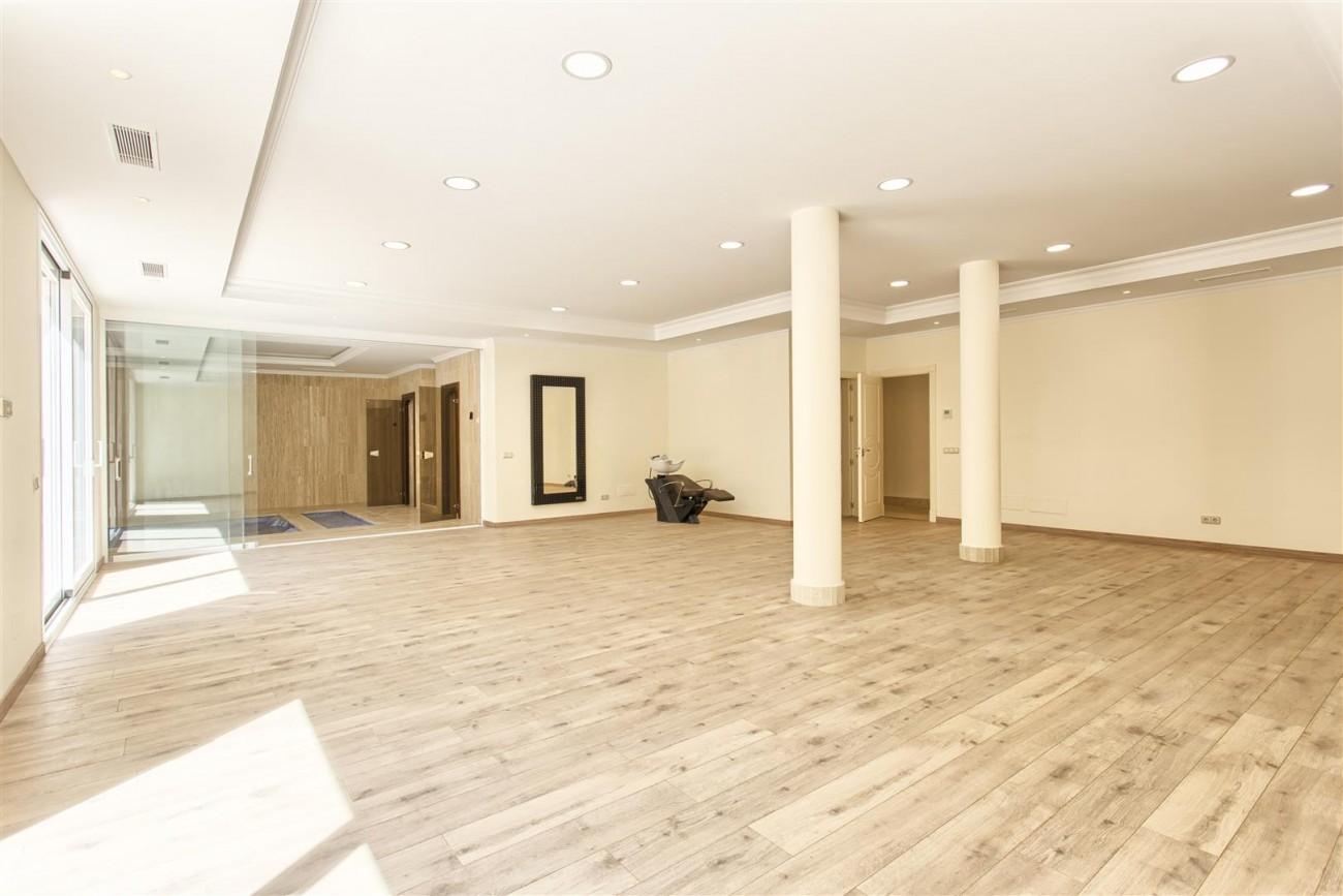 Luxury Mansion for sale in Benahavis Spain (26) (Large)
