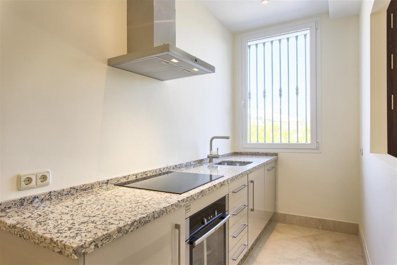 Luxury Mansion for sale in Benahavis Spain (32) (Large)