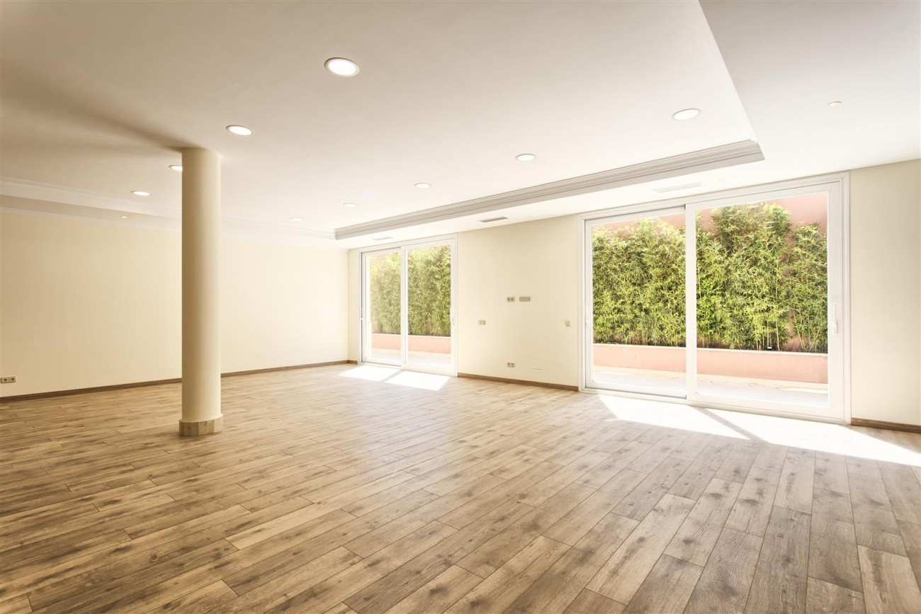 Luxury Mansion for sale in Benahavis Spain (34) (Large)