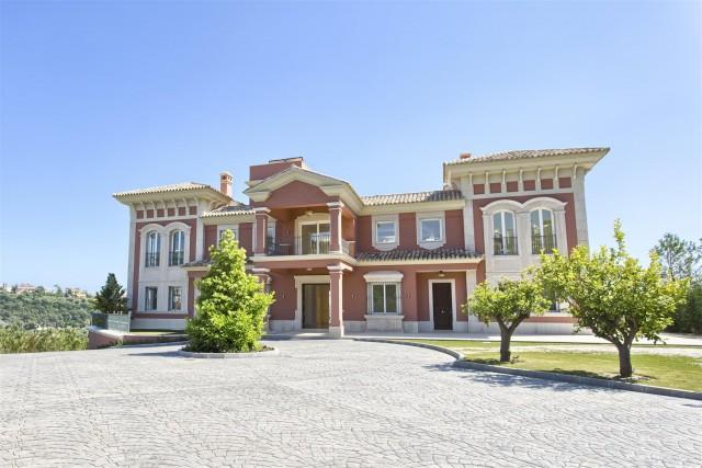 Villa for Sale - 7.950.000€ - Benahavís, Costa del Sol - Ref: 5826