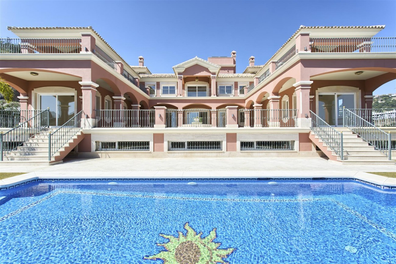 Luxury Mansion for sale in Benahavis Spain (37) (Large)