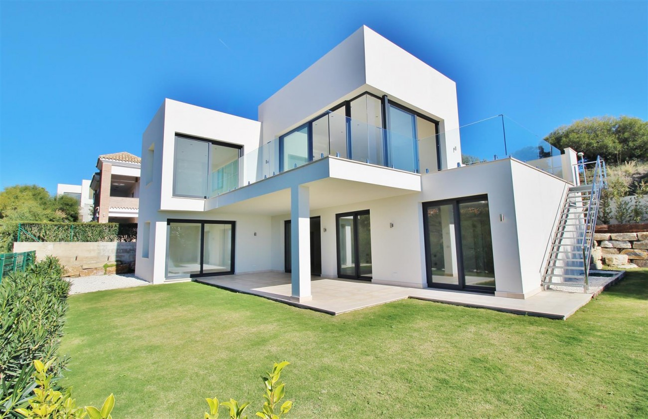 Luxury Contemporary for sale Benahavis Spain (1) (Large)